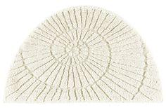 100% Baumwolle. Waschbar und trocknergeeignet. Für Fußbodenheizung geeignet. Rutschhemmend beschichtet. Hoch-Tief-Effekt in Muschel-Optik. Hoch-/Tief-Effekt in Muschel-Optik. Materialzusammensetzung: Obermaterial: 100% Baumwolle...