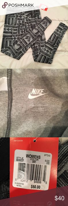 NWT Nike leg a see tights Patterned cotton leggings that I bought on here and they are too small. Retail $50 Nike Pants Leggings