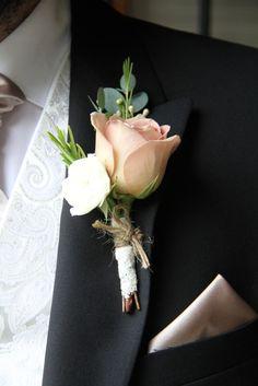 Groomsmen Boutonniere, Rose Boutonniere, Boutonnieres, Diy Wedding Bouquet, Corsage Wedding, Bridal Bouquets, Prom Flowers, Wedding Flowers, Cream Wedding