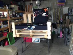 Cute Pallet Love Seat  #outdoor #palletarmchair #palletfence #seat Love seat made from pallets, old fence, and a recycled crib mattress. The back cushions are hand made as well as cover for mattress! ...