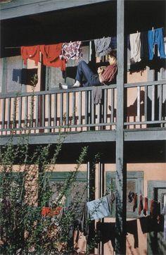 Reader, Spruce St. (Vancouver), Fred Herzog, 1959