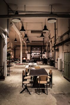Ply, Concept-Store de Mobiliário Vintage e Industrial | Hamburgo