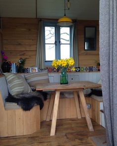 This is the Home-stead Wagon tiny house. It's designed and built by Rustic Campers. Related: Shepherd Hut Tiny House by Güte The Home-stead Wagon Tiny House
