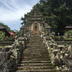 Pura Kehen Temple - escadaria