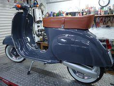 Vespa v50: RAL 7024 Graphitgrau Vespa Gts, Lambretta Scooter, Vespa Scooters, Dirt Bike Girl, Vintage Vespa, Motor Cafe Racer, Vespa 50 Special, Vespa Smallframe, Italian Scooter