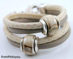 Wikkelarmband beige snake leer en taupe leer met keramiek