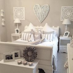 Outstanding Millennial small master bedroom ideas on a budget diy decor ~ Home Design Ideas Small Master Bedroom, Home Bedroom, Girls Bedroom, Bedroom Furniture, Bedroom Decor, White Furniture, Ikea Bedroom, Wood Furniture, Furniture Ideas