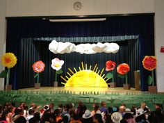 Eric Carle stage set up
