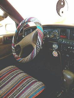 First Car Accessories Drive Hippie Car Car Wheels Car Hippie Auto, Hippie Car, Hippie Vibes, Hippie Chick, Hippie Style, Volkswagen Bus, Vw Beach, Car Interior Decor, Interior Ideas