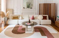 Les tendances déco qui vont faire fureur en 2021 French Interior, Interior Design, Socialite Family, Modern Classic, House Colors, Decoration, Interior Inspiration, Home Furnishings, Family Room