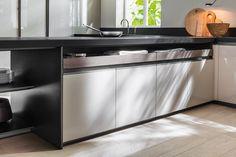 VVD | Linear kitchen By DADA design Vincent Van Duysen
