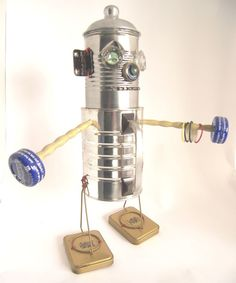 Recycled robots in packagings metals art  with Sculpture Robot Recycled Cans Art