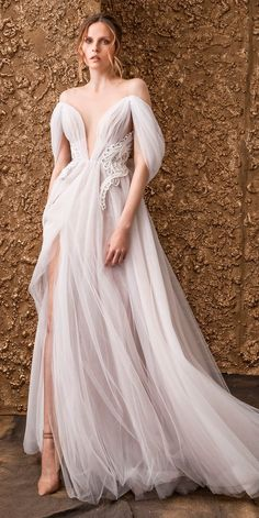 """Nurit Hen 2018 Wedding Dresses — """"Golden Touch"""" Bridal Collection Nurit Hen's 2018 bridal collection blends unconventional silhouettes with unique, feminine details. The """"Golden Touch"""" collection features bohemian style wedding gowns with soft, Soft Wedding Dresses, Dresses Elegant, Bridal Dresses, Beautiful Dresses, Colored Wedding Gowns, Wedding Colors, Casual Dresses, Belle Silhouette, Corsage"""