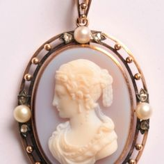 High relief hardstone cameo pendant of a woman in profile to the left, white on grey background.  The pendant can also be worn as a brooch by attaching the removable loop.  30 x 49mm  €1650 Cameo Pendant, Gray Background, Brooches, Vintage Jewelry, Profile, Paris, Woman, Grey, Pendant
