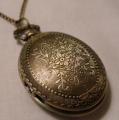 Ladies Pocket Watch Necklace.