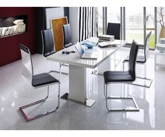 Chaises élégantes #salleamanger Office Desk, Corner Desk, Furniture, Home Decor, Elegant Dining, Stool, Chairs, Corner Table, Desk Office