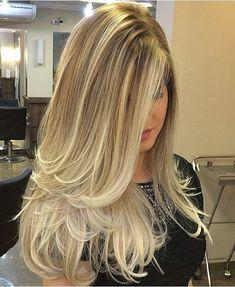 Blond Hair Color Ideas : Long Blonde Ombre Hair - Looks Magazine Long Hair Cuts, Long Hair Styles, Short Cuts, Short Hair, Lange Blonde, Long Layered Haircuts, Ombre Hair Color, Blonde Highlights, Hair Looks