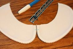 This is one of my favorite sewing tips that I like to share! One of the signs of a well made garment is how well the collars matches at ...