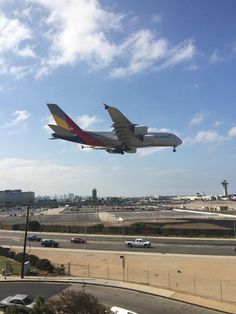 "Welcome to LAX! RT @a380fanclub: ""@coreyteague: @AsianaAirlines a380-800 HL7626 landing 1st time at @flyLAXairport pic.twitter.com/9daPviBWfl"""