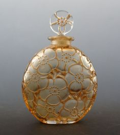 René Lalique ルネ・ラリック Flacons 香水瓶 D'ORSAY社 「ユリ」 1920年 全体