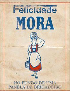 Placa Felicidade Mora (MDF) Tamanho: 19 x 24cm Material: MDF e papel Espessura: 3mm Acompanha: Fita adesiva para colar direto na parede ou pendurar