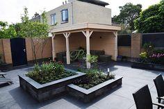 Amazing Gardens, Beautiful Gardens, Cinder Block Garden, Back Garden Design, Diy Planters, Garden Paths, Backyard Landscaping, Outdoor Gardens, Decoration