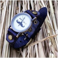 #royaltysforthecommoner  Vintage bonjour watch  Single piece  Code no: W93:031 Price: ₹599/- Ordering Details: Contact/whatsapp @07666649710/09022910123 Payment Mode: COD all over India✔️ Bank Transfer ✔️ Delivery period: 8-10days maximum if cash on delivery  4-5days maximum if NEFT/bank transfer