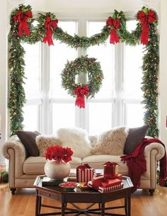 Nice Best Christmas Home Decorating Ideas It's incomplete to welcome a Christmas atmosphere without the right Christmas decorations. Wherever you are, Christmas decorations always have a warm and cheerful effect that never fails to m… Cozy Christmas, Outdoor Christmas Decorations, Beautiful Christmas, Christmas Wreaths, Christmas Time, Christmas Cactus, Modern Christmas, Homemade Christmas, Elegant Christmas