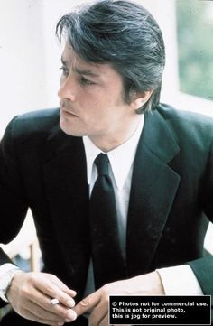 Delon while shooting scorpio 1973 Alain Delon, Romy Schneider, Hollywood Actor, Classic Hollywood, Melodie En Sous Sol, Most Handsome Actors, Handsome Man, Coppola, Jean Luc Godard