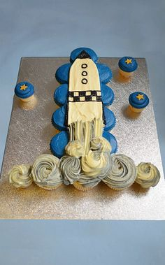 Cupcakes Take The Cake: 6 cute cupcake cakes: Daisy, sunflower, rocketship, princess and surfboard