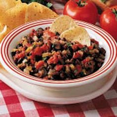 Easy Black Bean Salsa Recipe -This salsa is a staple at my house. I can make it in about 5 minutes, so it's great for quick meals or snacks. Black Bean Salsa, Black Beans, Nachos, Mexican Food Recipes, Healthy Recipes, Ethnic Recipes, Lentil Tacos, Bean Salad Recipes, Foods With Gluten