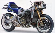 Suzuki RGV-500(XRB1) - 2001 World Championship.