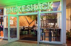 Bad news, burgerheads, the original Shake Shack location in New York's Madison Square Park will be closing for up to five months for renovations, 'hopefully . Restaurant Exterior, Exterior Signage, Restaurant Design, Salad Shack, Shake Shack Locations, Burger Stand, Storefront Signage, Burger Dogs, Burgers