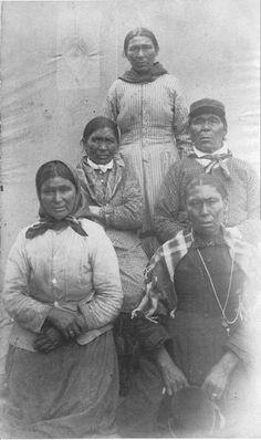 Manowan Cree family in Quebec - circa 1900