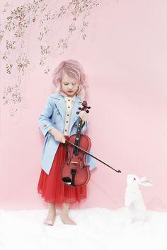 Gisela Rydberg Kids Fashion Photography, Children Photography, Beautiful Children, Young Fashion, Girl Fashion, Fashion Purses, Kids Coats, Kid Styles, Stylish Kids