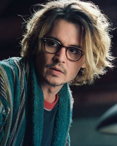 johnny depp (Secret Window)...i know, right?...!