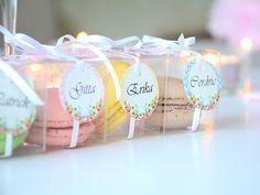 Macaron átlátszó dobozban ,esküvői köszönő ajándék
