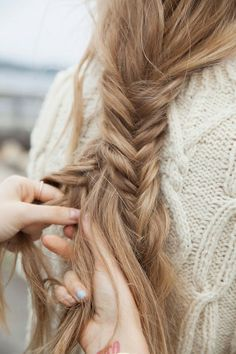 I wish my hair was thick enough to have a pretty fish tail braid like this! My Hairstyle, Messy Hairstyles, Pretty Hairstyles, Hairstyle Wedding, Fashion Hairstyles, Dreadlock Hairstyles, Latest Hairstyles, Summer Hairstyles, Hair Inspo