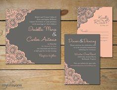 Un gris peltre mezclado con color durazno y rosa para estas invitaciones rústicas de MyCrayonsPapeterie.com