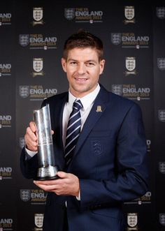 Liverpool Captain Steven Gerrard voted England's Player of the Year Liverpool Uefa Champions League, Liverpool Players, Liverpool Football Club, Liverpool Fc, Steven Gerrad, Liverpool Captain, G Names, Stevie G, Premier League Soccer