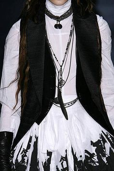Ann Demeulemeester Fall 2007 Ready-to-wear Detail Ann Demeulemeester, Ready To Wear, Alternative, Anna, Runway, Dress Up, Fashion Looks, Aesthetics, Necklaces