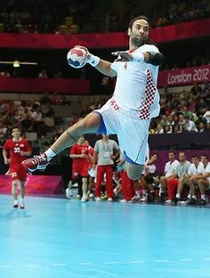 Handball is a part of my life so I really want to have my own field to train with the Croatian handball player Ivano Balic !