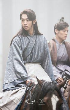 Baek-ah #MLSHR Joon Hyuk, Lee Joon, Joon Gi, Asian Actors, Korean Actors, Scarlet Heart Ryeo, Nam Joo Hyuk Scarlet Heart, Moon Lovers Drama, Dramas