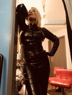 Stepmothers, Aunts and Governesses: Photo Leather Dresses, Leather Pants, Kim Wilde, Latex Cosplay, Latex Costumes, Dress Skirt, Bodycon Dress, Leder Outfits, Dress Attire