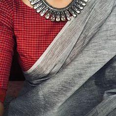 Grey and red checks Saree Blouse Neck Designs, Saree Blouse Patterns, Fancy Blouse Designs, Simple Sarees, Trendy Sarees, Stylish Sarees, Saree Dress, Chiffon Saree, Cotton Saree