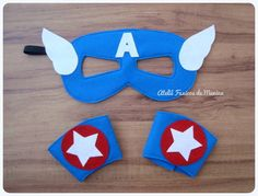 Kit de fantasia em feltro do seu Super Herói favorito!  O kit é composto por 1 máscara e 1 par de braceletes com fechamento em velcro. As crianças vão adorar receber este kit como lembrancinha , e poderão se divertir a festa toda com ele.  O kit pode ser feito em diversos tamanhos, compatíveis com a idade das crianças, e também com outros Super Heróis.  Também é possível adquirir os itens separadamente.   Seguem valores abaixo para itens separados:  1 Máscara Super Herói: R$5,40 1 bracelete…