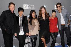 03-29 Kim Kardashian Seen Having Lunch With Blac Chyna And Rob... #BlacChyna: 03-29 Kim Kardashian Seen Having Lunch With Blac… #BlacChyna