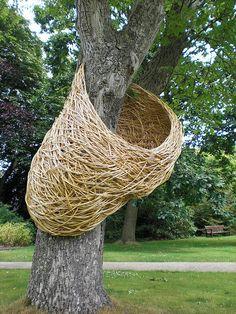 Sculpture on a tree. Land Art, Environmental Sculpture, Willow Weaving, Sculpture Art, Metal Sculptures, Abstract Sculpture, Outdoor Art, Installation Art, Art Installations