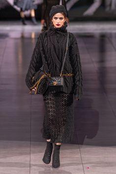 Dolce & Gabbana at Milan Fashion Week Fall 2020 - Runway Photos 2020 Fashion Trends, Fashion Week, Fashion 2020, Runway Fashion, Spring Fashion, Fashion Outfits, Milan Fashion, Knitwear Fashion, Knit Fashion