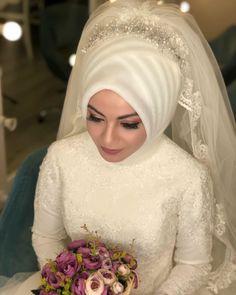 Muslim Wedding Gown, Muslim Wedding Dresses, Wedding Hijab, White Wedding Dresses, Bridal Dresses, Wedding Gowns, Formal Dresses, Makeup Hijab, Muslimah Wedding